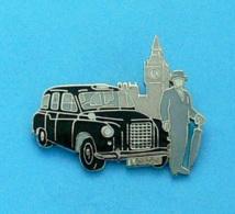 1 PIN'S //  ** TAXI LONDON BIG BEN & SO BRITISH ** . (Démons & Merveilles) - Pin's