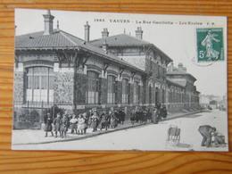 CPA Vanves La Rue Gambetta Les écoles 1912 - Vanves