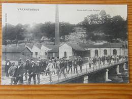 CPA Valentigney Sorties Des Usines Peugeot  1907 - Valentigney