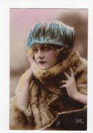 125 - MODE  -  Jeune Femme  - Chapeau Original - Mode