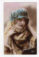 127 - MODE  -  Jeune Femme  - Chapeau Original - Mode