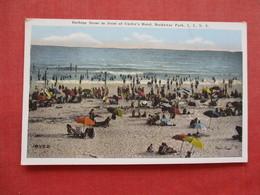 Bating Scene In Front Of Curley's Hotel  Rockaway Beach - Long Island  NY    Ref 3328 - Long Island