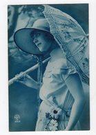 132 - MODE  -  Jeune Femme élégante  - Chapeau - Ombrelle - Mode
