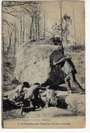 14 - St ESTÈPHE, Près NONTRON, Le Roc Branlant - Beau Cliché Animé - 1927 (B185) - Nontron