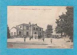 Mesgrigny. - La Place De La Gare. - Autres Communes