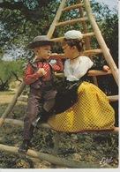 19 / 5 / 97  - EN  PROVENCE  -  GARDIAN  ET  MIREILLE, SOUS  UN  OLIVIER  - C P M - Provence-Alpes-Côte D'Azur