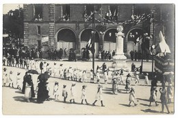 CPA 72 BRULON Carte Photo Place De La Mairie , L' Hôtel De Ville , Monument Commémoratif Guerre 1914-1918 - Brulon