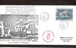 """A4 - TAAF PA79 Du 20-1-1984 - Grand Cachet """" DECOUVERTE DE LA TERRE ADELIE Et Divers - - Lettres & Documents"""