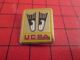 413H Pins Pin's  / Rare & Belle Qualité / THEME SPORTS : UCPA PLONGEE SOUS MARINE PALMES Pas Académiques - Plongée