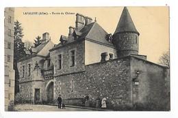 LAPALISSE  (cpa 03)  Entrée Du Château    -  L  1 - Lapalisse