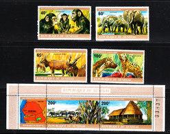 Senegal - 1980. Scimpanzè, Elefanti, Kudu, Iene. Chimpanzè, Elephant, Eland, Hyene, Hotel Simenti. MNH - Chimpanzés