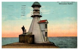Wisconsin Milwaukee Harbor , Breakwater Light - Stati Uniti
