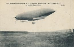 CPA - Thèmes - Ballon Dirigeable  République  En Pleine évolution - Dirigeables