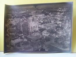 "REIMS (MARNE) MILITARIA. PHOTOGRAPHIE MILITAIRE AERIENNE. CATHEDRALE. PLACE DU PARVIS.   100_7696""b"" - Reims"