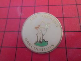 811F Pins Pin's  / Rare & Belle Qualité / THEME SPORTS : TIR A L'ARC LES ARCHERS HARCOURTOIS - Tir à L'Arc