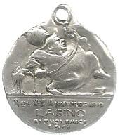 L'Asino Settimanale Satirico 1911 Nel XX Anniversario Ai Suoi Amici. Caricatura Pio X. AE Argentato Gr. 7,03, Cm. 2,5. - Italia