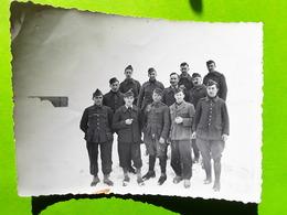 RARE Photo Originale Guerre 1939 - 1945, Groupe De Prisonniers Du  STALAG XI B, Fallingbostel,Niedersachsen Allemagne - Guerra, Militari