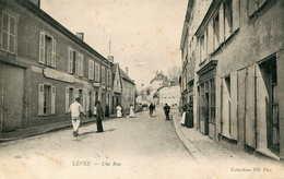 LEVES   =   Une  Rue ..   676 - Lèves