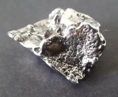 - MÉTÉORITE - CAMPO DEL CIELO - TOP QUALITÉ - 19.70 G (46) - Meteorites