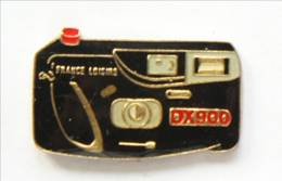 Pin's  FRANCE LOISIRS DX900 - Appareil Photo Compact  - I321 - Fotografie