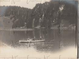 Photographie Argentique Famille Bauss En Kayak Sur Le Lac Des Chavonnes Suisse 1902 - Lieux