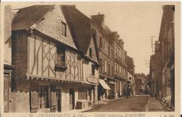 Carte Postale Ancienne De Chateaubriant La Grande Rue Les Vieilles Maisons - Châteaubriant