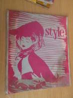 Paire De Bas Nylon VOILE De Marque STYLE Neuf Jamais Porté Sans Couture , Couleur GRIS Taille 8 1/2 - Tights & Stockings