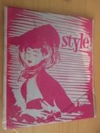 Paire De Bas Nylon VOILE De Marque STYLE Neuf Jamais Porté Sans Couture , Couleur GRIS Taille 8 1/2 - Vintage Clothes & Linen