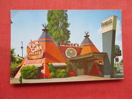 -Power's Pancake Palace   Teepee Shaped Restaurant    California > Los Angeles    Ref 3333 - Native Americans