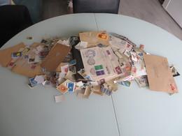 VRAC Des Milliers De Timbres DES HEURES DE TRI ET DE RANGEMENT,,des Jours ,vendu Tel-quel - Stamps