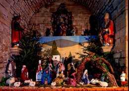 CPM - Pont-l'Abbé - Église Notre-Dame Des Carmes - Crèche Bigoudenne De Noël - Pont L'Abbe