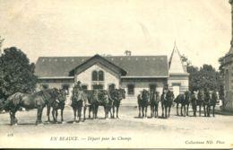 N°72755 -cpa En Beauce -départ Pour Les Champs- - Paarden