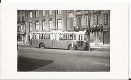 Photo -Trolleybus - Metz En 1955 - Moselle - 57 - Animée - Thème Transport - Tramway - Lieux