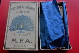 1920 COTON FLOCHE à BRODER  Lustré MARQUE AU PAON M.F.A. PARIS BLANC N°8 DOLFUS / MIEG & CIE MULHOUSE BELFORT -PARIS - Loisirs Créatifs