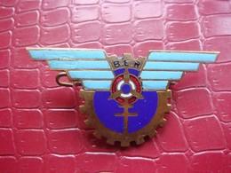 Aviation . Base Ecole De Rochefort ( Ancien ) . 1 Défaut - Armée De L'air