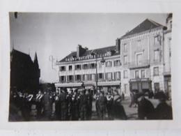 Photo Petit Format Bonneval Eure Et Loire Fanfare Allemande 2ème Guerre Mondiale Grand Hotel De France - Non Classificati