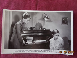 "CPSM - Film ""Jeunes Filles En Uniforme"" - Dorothéa Wieck Et Hertha Thiele - Schauspieler"