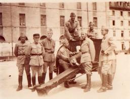 L - PHOTO ORIGINALE FORMAT 10.7 X 6.7 - MILITAIRE - CANON - BESANCON - JUIN 1928 - War, Military