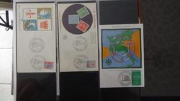 Gros Classeur De + De 130 Enveloppes 1er Jour Et Cartes Maximum Années 50 Et 60. Super Sympa !!! - Stamps