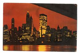 U.S.A. Stati Uniti D'America Night View Of Lower Manhattan Viaggiata 1975 Condizioni Come Da Scansione - Viste Panoramiche, Panorama