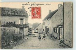 8420 - SAINT LOUP DE NAUD - UNE RUE DE - France
