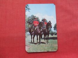 Royal Canadian Mounted Police            Ref 3333 - Police - Gendarmerie