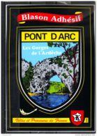0767 .  BLASON ADHESIF . PONT D ARC . LES GORGES DE L ARDECHE - Rhône-Alpes