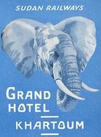 @@@ MAGNET - Sudan Railways Grand Hotel Khartoum Elephant - Publicitaires