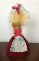 Poupée Floklorique De Région à Déterminer - Dolls