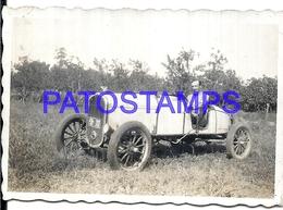 111873 AUTOMOBILE OLD CAR AUTO CONVERTIBLE AND MAN 8.5 X 5.5 CM  PHOTO NO POSTAL POSTCARD - Postales