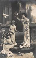 BEAUTIFUL YOUNG GIRLS & MOTHER IN LONG ORNATE DRESSES WITH DOVES-1911 PHOTO POSTCARD 40557 - Other