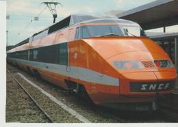 C.P. - PHOTO - TRAIN A GRANDE VITESSE - T. G. V. - DE LA S. N. C. F. - QUIDESSERT DEPUIS OCTOBRE 1981 LE SUD EST DE LA F - Trains