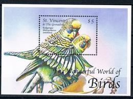 Bloc Sheet Oiseaux Perroquets Birds Parrots Neuf  MNH **  St Vincent & The Grenadines - Parrots