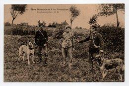 - CPA DOUANE - Nos Douaniers à La Frontière - Une Bonne Prise (belle Animation) - Edition E. C. N° 14 - - Douane
